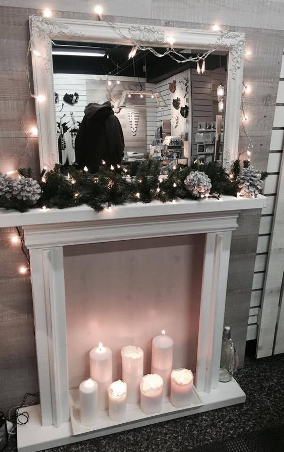 Scandinavian Christmas decorations, our blog and our decor - Pictures from Iceland. 4 different locations, our store: Systurogmakar and the designers homes, we love the cosy feeling of Christmas and overdo it every time! Christmas store window