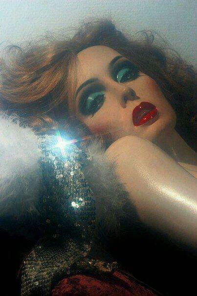 Shiny disco balls!! #1970s makeup