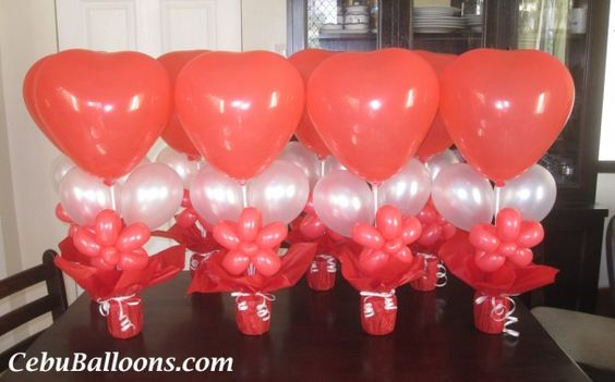 Valentines balloons and centerpiece ideas on pinterest for Balloon decoration for valentines day