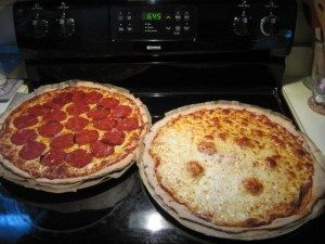Frugal, healthy homemade pizza recipe with detailed pictorial instructions. Yummm!