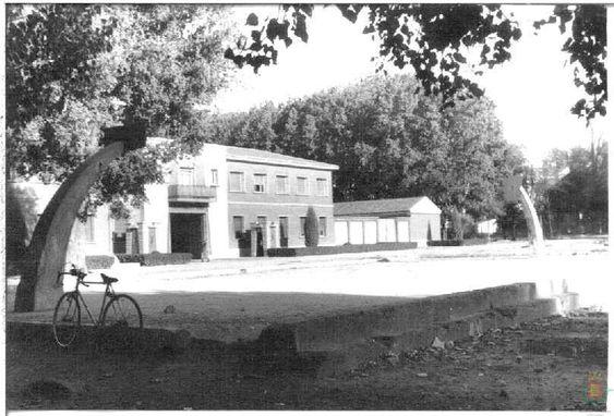 Antiguo Cuartel De Intendencia En El Prado De La Magdalena Valladolid Fotos Antiguas Fotografía Antigua Valladolid España