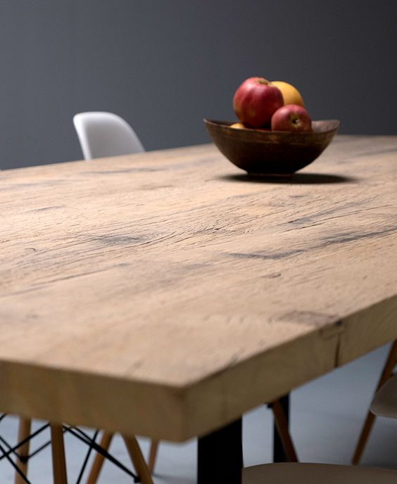 Ostende table sur mesure plateau en plancher de fonds de wagon en ch ne massif l g rement for Plateau table sur mesure