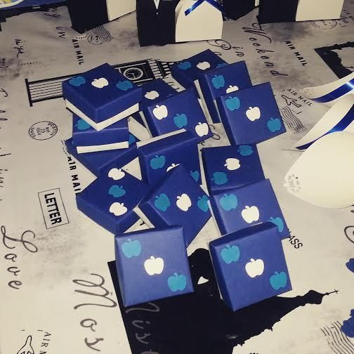 scatoline porta confetti https://www.etsy.com/it/shop/langolodisimi?ref=l2-shopheader-name
