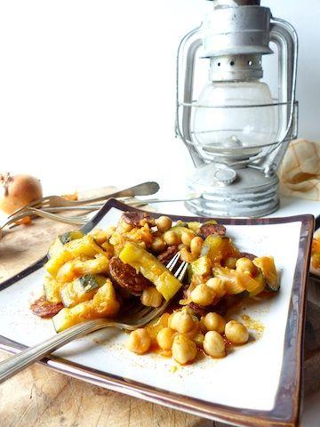 poêlée de pois chiches et courgettes, relevée de chorizo sans gluten