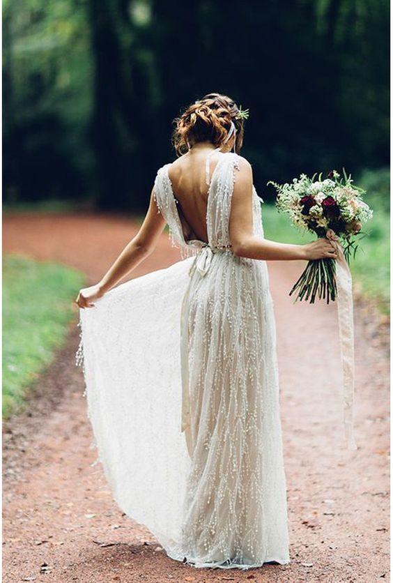 Une robe vestale