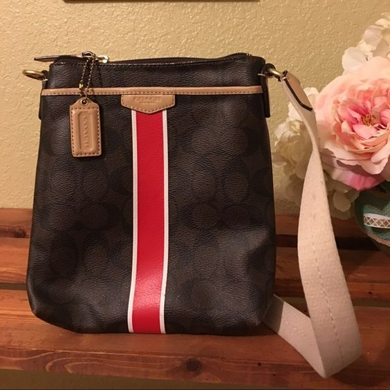 Coach crossbody bag Gently used no tears, stains/marks Coach Bags Crossbody Bags
