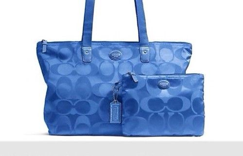 Coach Weekend Bag, Selling like hot cakes!!