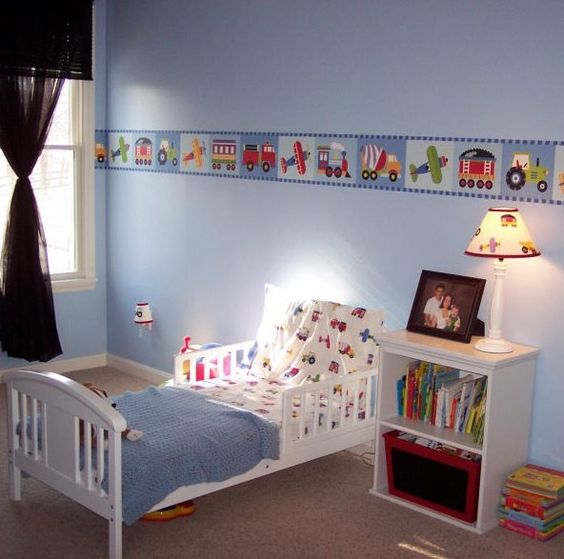 Toddler bedroom showing Trains, Planes & Trucks bedding
