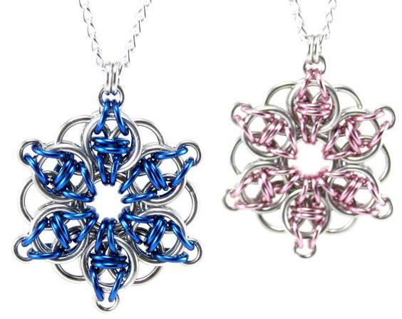 Celtic étoile cotte de mailles Collier Fleur celtique Chainmaille Metal Crochet pendentif pour femmes