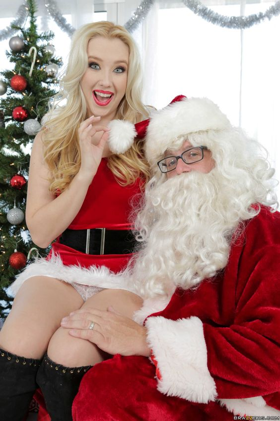 Samantha Rone (left) | Christmas & carols | Pinterest