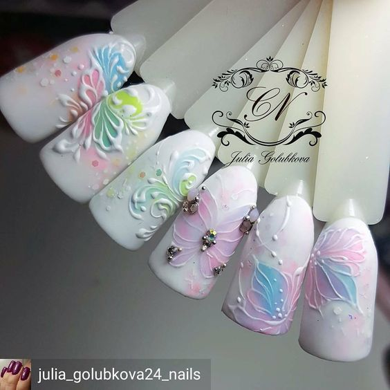 @Regrann from @julia_golubkova24_nails #гельлак #москва #дизайнногтей …