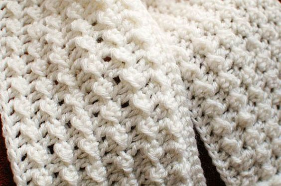 Crochet Pattern Keyhole Scarf with Spiral by petalstopicots