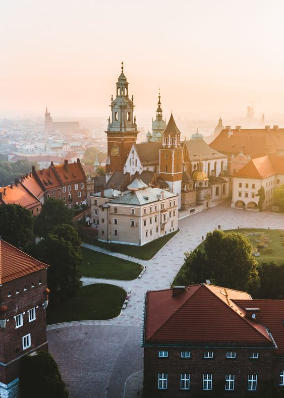 Planning a trip to Krakow, Poland? Our guide covers everything you need to know including what to see, where to eat, stay and more! #Krakow #PolandTravel #WawelCastle