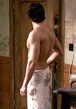Jeez @MooseMode13 ...tell your boy to put some clothes on...he makes us drool in every way here...*frustrated sigh*