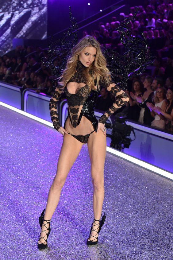 2016 Victoria's Secret Fashion Show: All the Looks
