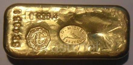 Fotos de poeira de ouro pura e lingote de ouro Valença