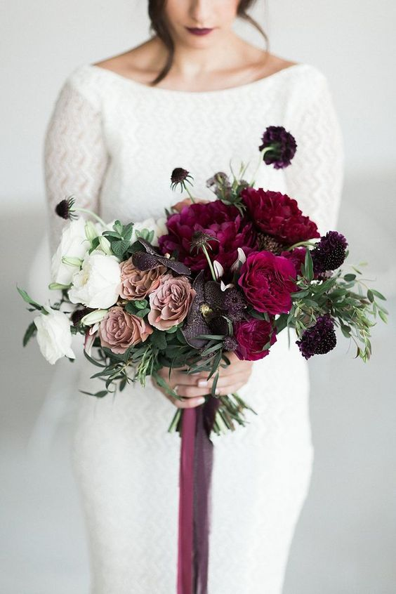 Ombre White, Mauve, and Berry Bouquet | Weddings | Flowers | Wedding Bouquets | #flowers #weddingdecor #weddings #bouquet | www.laurenlashdesigns.com