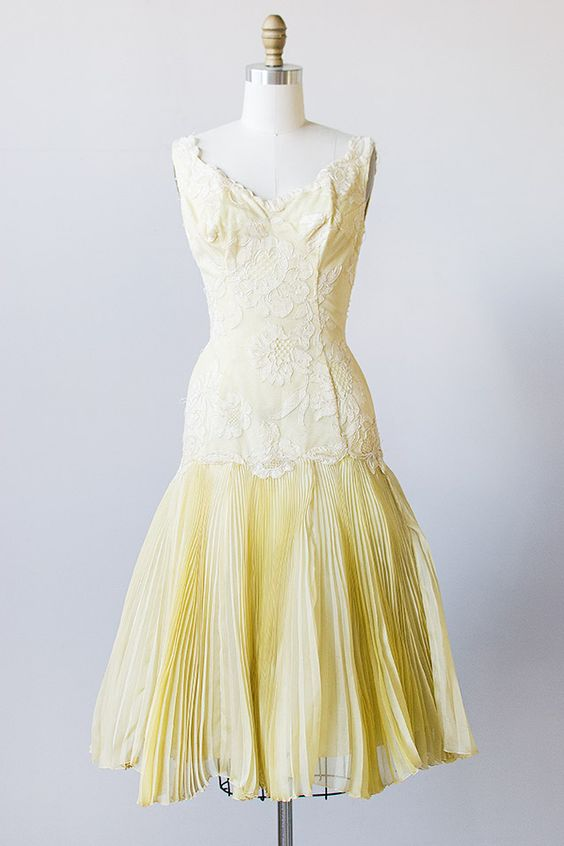 SO DANGED GORGEOUS!!! HNNNNG!!!! D: vintage 1950s yellow drop ...