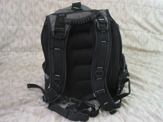 "TARGUS 16"" Sport Deluxe Laptop Backpack  #TSB312 Daypack Hiking Black Grey Used  https://ajunkeeshoppe.blogspot.com/search/label/Office%20-%20Misc."