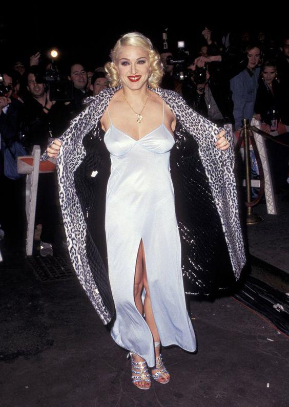 Pin for Later: De Geisha à Cow-Girl, en Passant Par Punk-Lady, Retour sur les Moments Mode les Plus Fous de Madonna  Lors d'une soirée en 1995.