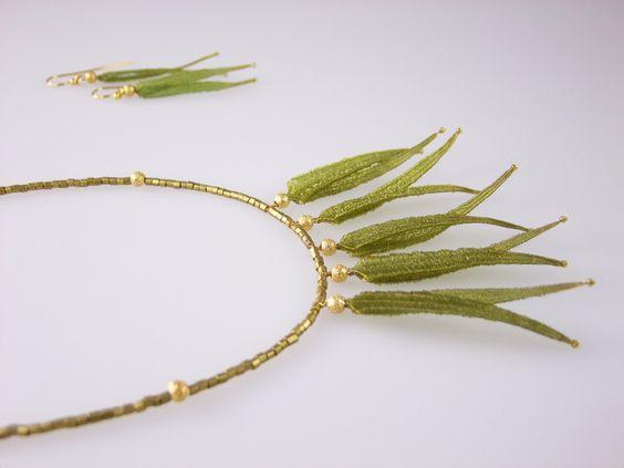 : :Golden Leaves : : geklöppelter Halsschmuck von suno bei DaWanda