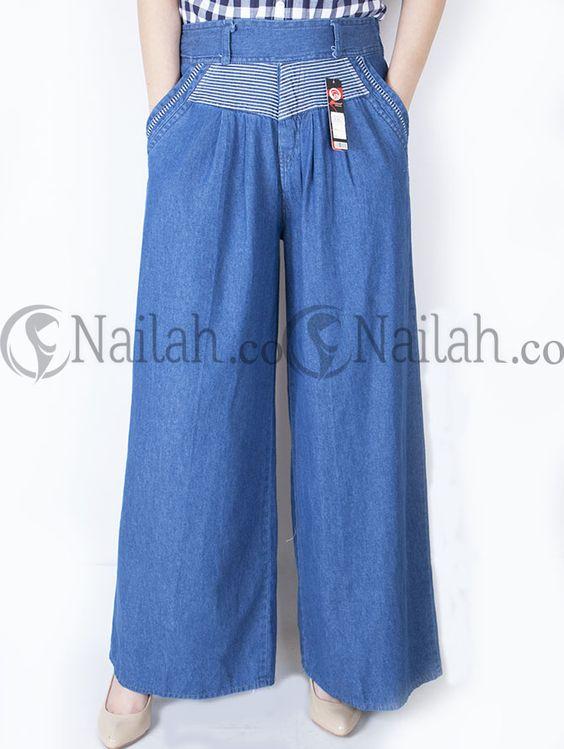 Celana Kulot Jeans Zahrah Rp 105,000.00Celana Kulot terbuat dari bahan semi jeans     Detail:  - Pinggang karet pada bagian belakang