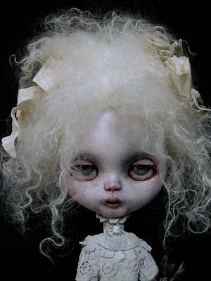 creepy dolls are my thing: