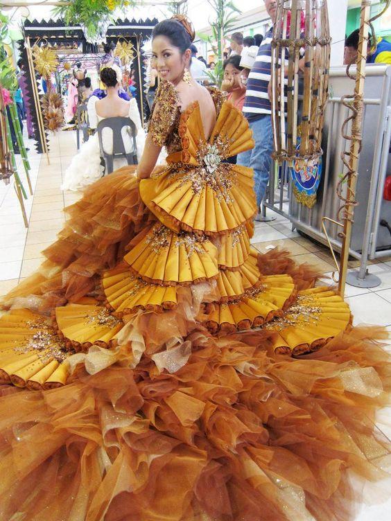 платья:
