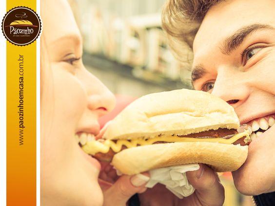 Aproveite os momentos felizes da sua vida! Saboreie um delicioso pãozinho com quem você mais gosta! Assina já! www.paozinhoemcasa.com.br
