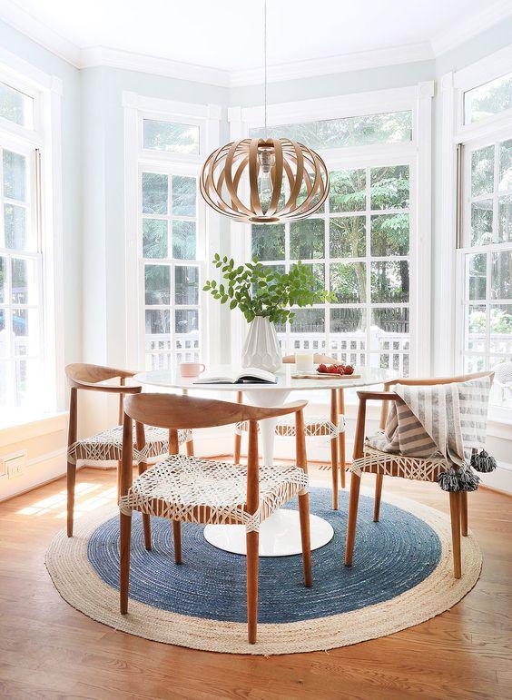 Beautiful kitchen dining area | breakfast nook | Sunny Circle Studio