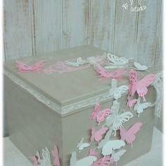 """Urne de mariage, baptême thème """"envolée de papillons"""""""