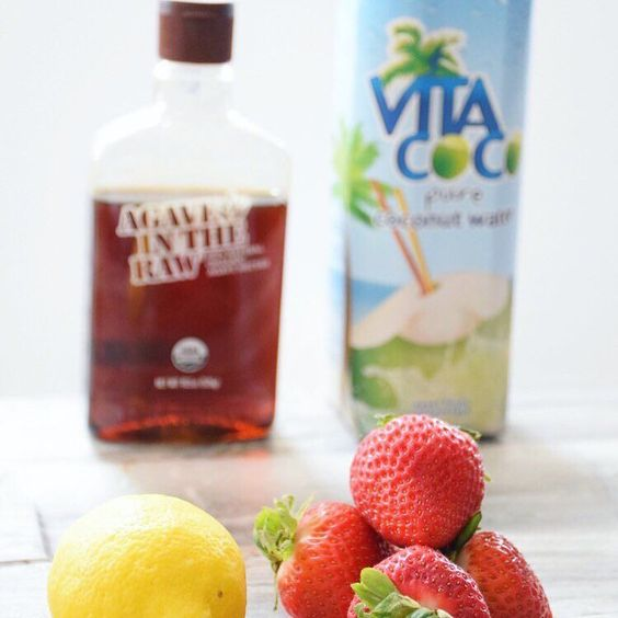Sharing a delicious recipe for Strawberry Coconut Water Lemonade on http://the blondechiffon.com  It's a great way to hydrate and avoid all the sicko ingredients of store-bought lemonade and it's only FOUR ingredients  Hop on over there {link also in bio} to check it out!