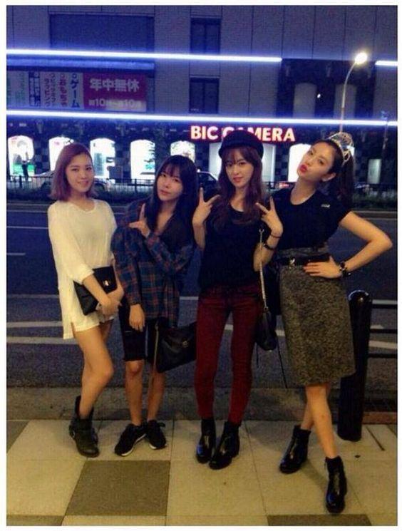 Lizzy, Raina, Juyeon & Nana