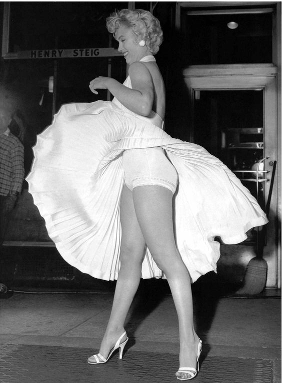 Marilyn Monroe in her iconic white dress- 1955 - Fashion ...