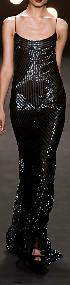 Naeem Khan - Fall 2014 This would be great if she had the breasts to make it bombshell.