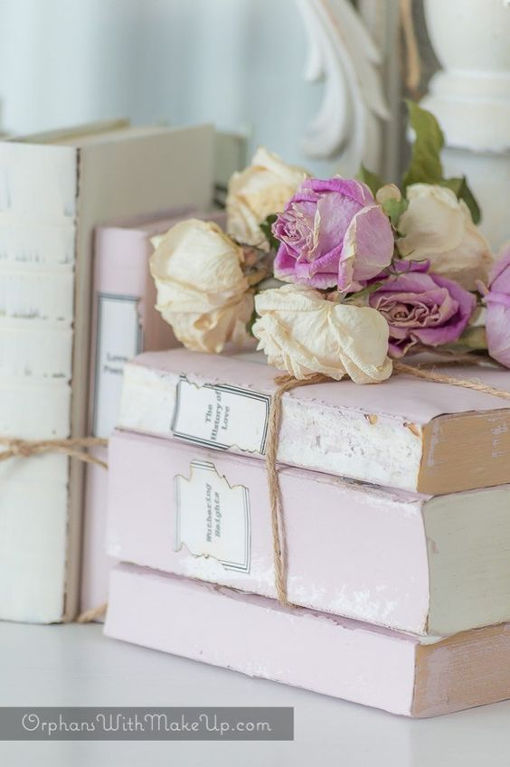 DIY Beautiful Romantic Shabby Chic Book Bundles ! (From throwaway old books)