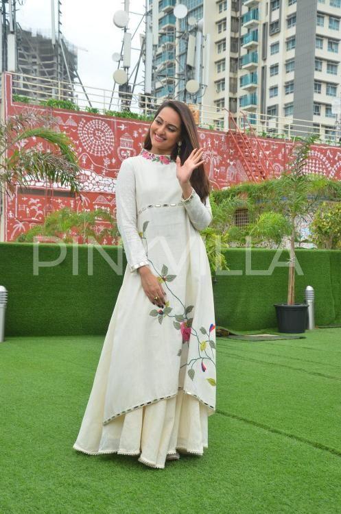 Sonakshi Sinha looks super cute during 'Akira' promotions | PINKVILLA