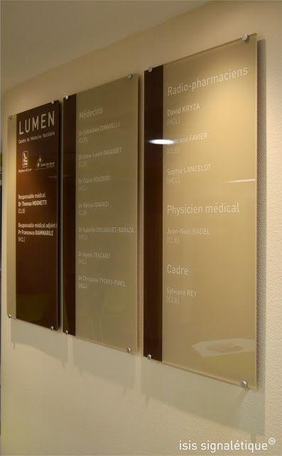 http://isis-signaletique.blogspot.com  signalétique hôpital Lyon Rhône CLB LUMEN - plaque des praticiens - Centre Léon Bérard - Hospices Civiles de Lyon
