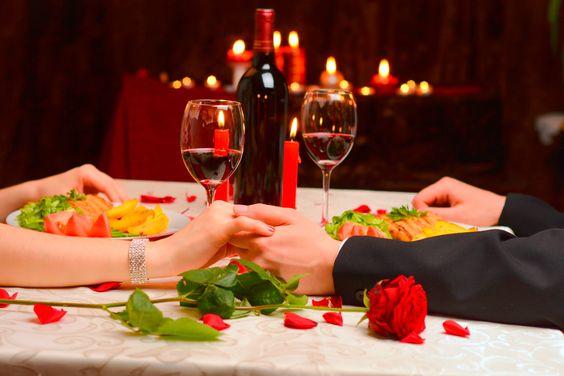 Menus, comidas, postres e ideas para preparar una cena con tu pareja ¿Cómo hacer una cena romántica? Para novios, el día de los enamorados, un momento especial o para romper la rutina.