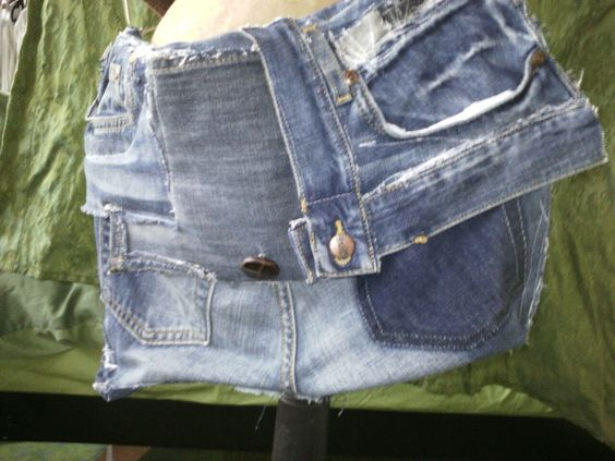 Jeanstasche mit Lederträger 55,00