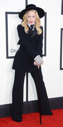 H #Madonna επέλεξε αυστηρό, ανδρόγυνο στυλ για την βραδιά των #Grammys με μαύρο κοστούμι του οίκου #Ralph #Lauren. #Grammys2014