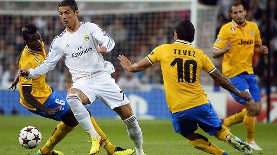 Le Real Madrid s'impose 2-1 face à la Juventus Turin !!! Les Turinois se sont bien battus mais, réduits à dix à la 48e minute après l'expulsion du rugueux Chiellini, ils n'ont pas pu égaliser. Cristiano Ronaldo a signé un doublé, Llorente a inscrit son premier but en C1.