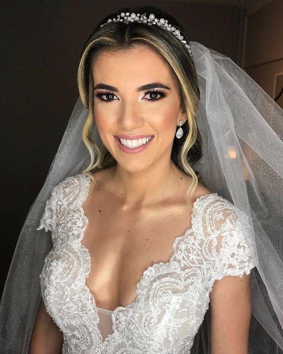 """Blog Casamento NOIVA DE EVASÊ on Instagram: """"Noiva deusa? A linda Nathalia deslumbrante por @hegleyoficial para o sim que aconteceu ontem!!! . Noiva iluminada e bela!!! Inspirem-se!!!…"""""""