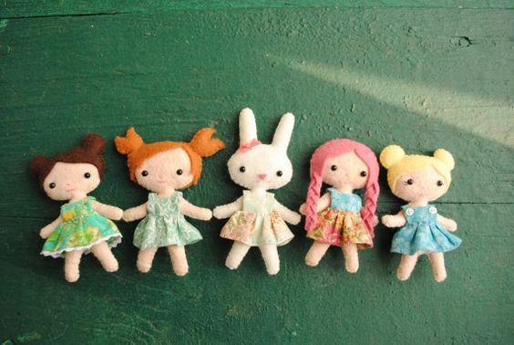 Custom Felt Dolls - Made To Order Tiny Dolls - 4 inches Pocket Pixies - Felt Kawaii Dolls and Animal