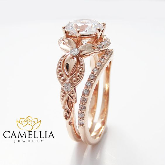 Unique Diamond Engagement Ring 14K Rose Gold von CamelliaJewelry