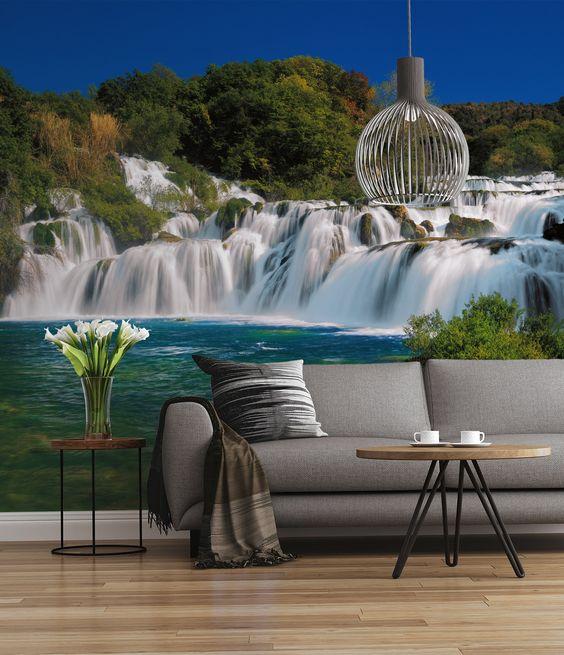 Die atemberaubenden Krka Wasserfälle münden umgeben von grüner Landschaft in ein türkises Flussbett. / 8-312 Krka Falls