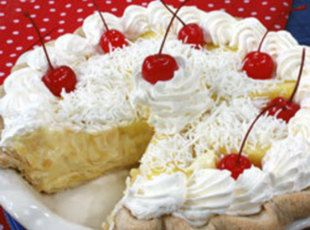 Two Minute Hawaiian Pie....this is SO good...crushed pineapple, coconut, vanilla pudding and cool whip...super easy too!!