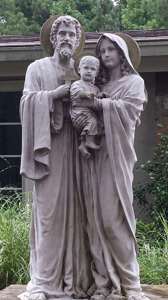 """by-grace-of-god: """" THE HOLY FAMILY - photo taken by """"hobo for Christ"""" Meg Hunter-Kilmer """":"""