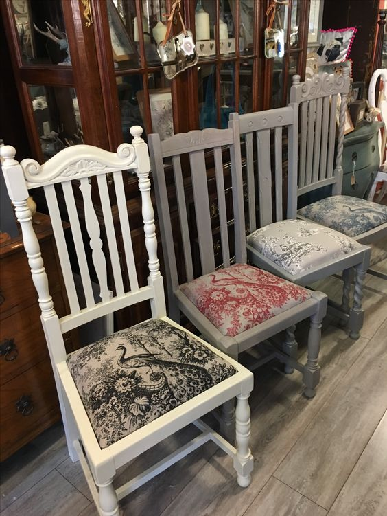 Mixed peacock chairs
