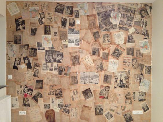 Muur behangen met oude kranten